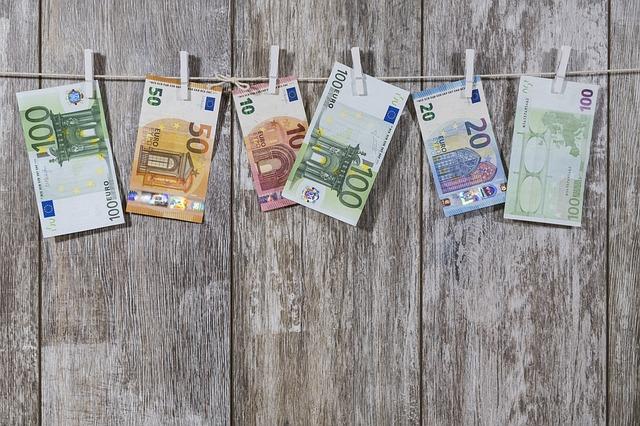 Mit Umfragen Geld verdienen neu interpretiert:  Mehrwert und Abwechslung für Umfrageportale und ihre Nutzer